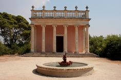 Castello di Donnafugata Sicilia #TuscanyAgriturismoGiratola