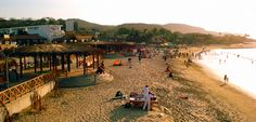Uno de los principales atractivos de esta región de Perú es probablemente el legendario balneario de Máncora y su ambiente especial y fascinante donde se reúnen surfistas de diferentes rincones del mundo.