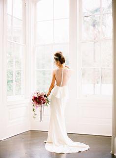 Photography: Sarah Beth Photography - www.sbethphoto.com  Read More: http://www.stylemepretty.com/2015/04/28/modern-melrose-mansion-wedding-inspiration/