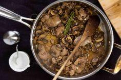 Mustáros gombás csirkemáj – gyors és fenséges vacsora!