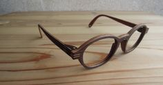 Beautiful wooden frames made in Kyoto by http://www.m-o-k-u.com