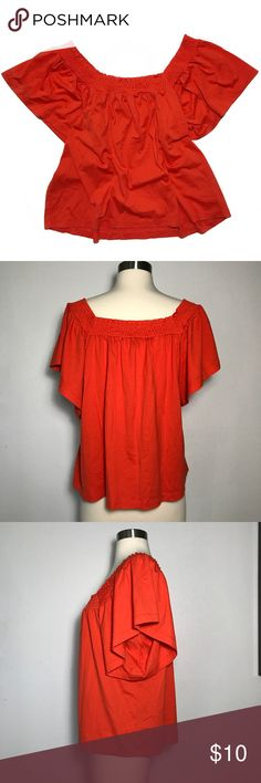 J. Crew Off-The-Shoulder Top • Simple off-the-shoulder top with ribbing around the top hem. This has a flowy fit and has soft fabric. This is in great condition with no signs of wear. J. Crew Tops Blouses