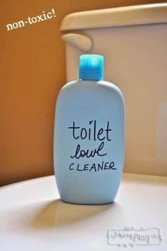 Homemade Toilet Bowl Cleaner Recipe – can replace the castile soap with dawn dish soap, still environmentally friendly Homemade Cleaning Supplies, Cleaning Recipes, House Cleaning Tips, Cleaning Hacks, Diy Hacks, Diy Cleaners, Cleaners Homemade, Household Cleaners, House Cleaners