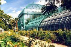 Jardins des Serres d'Auteuil - Paris, France #kidandcoe #bringthekids #paris