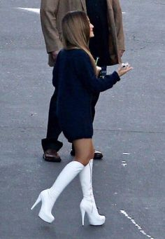 Welcome to GuiltyGrande, your Ultimate source dedicated to the actress and singer Ariana Grande. Ariana Grande Makeup, Ariana Grande Gif, Ariana Grande Pictures, My Girl, Cool Girl, Queen, Female Singers, Latest Pics, African Fashion
