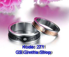 Menjual berbagai macam aksesori seperti: Cincin Couple, Kalung Couple, Gelang tangan, Kalung Kaki dan Lukisan unik.