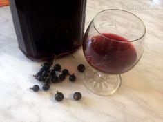 Likér z čiernych ríbezlí / á la Créme de Cassis
