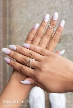 def one of my faves 😍 Nagel Tattoo, Nail Designs Pictures, Nails For Kids, Gossip Girl, Baby Boomer, Fancy, Trends, Design Quotes, Design Art