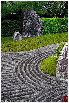 Japan Landscapes Sand Design Garden Japanese Gardens Zen: Rock Garden With Black Sand, Taizo-in Temple Japanese Garden Zen, Zen Rock Garden, Dry Garden, Japanese Gardens, Chinese Garden, Japan Landscape, Landscape Design, Sand Backyard, Garden Forum