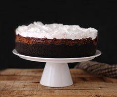¡Buenos días! Esta tarta me la encargaron hace unas semanas para una mesa dulce de una boda en Port de la Selva. Nunca la había preparad...