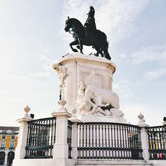 A Few Snapshots from Lisbon, Portugal :: This is Glamorous Terreiro do Paço