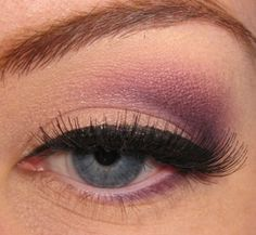 makeup for blue eyes. I'm going to use this on my sister when I do her pageant makeup!