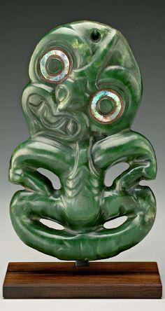 Maori peoples art - Hei Tiki - Nephrite, haliotis shell - Aotearoa/New Zealand