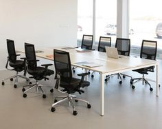 How you design your office matters. It sets the stage for how your employees work and interact. Transforming boring conservative rooms into innovative dynamic rooms could become a driver of performance. Office Furniture, Furniture Decor, Interior Styling, Interior Decorating, Nova, Commercial Office Space, Modular Office, Office Workstations, Meeting Table