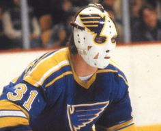 Ed Staniowski Hockey Goalie, Hockey Teams, Hockey Players, Ice Hockey, Blues Nhl, Goalie Mask, St Louis Blues, Masked Man, Vancouver Canucks