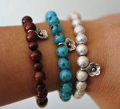 Polseres elàstiques /  elastic bracelet 6€