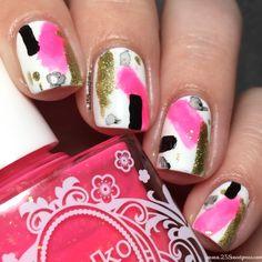 Today I have some Spring Break nails! Using a neon polish in an abstract way! Broken Nails, Nail Blog, Nail Envy, Types Of Nails, Us Nails, Nail Art Galleries, Nail Artist, Nails Inspiration, Beauty Nails
