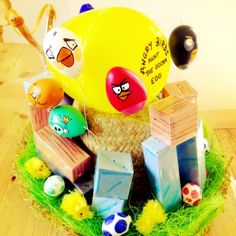 Too funny - Angry Birds Easter Bonnet! Ben Easter, Boys Easter Hat, Easter Hat Parade, Easter Eggs, Crafts For Boys, Diy And Crafts, Crazy Hats, Easter Crafts, Easter Ideas
