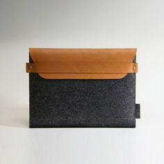 iPad2 Sleeve - Brown Leather with Grey Wool Felt