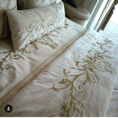 Draps Design, Linen Bedding, Bedding Sets, Master Closet Design, Embroidered Bedding, H&m Home, Cushions, Pillows, Fabric Ribbon