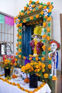 Dia de los Muertos Altar #2 - Oaxaca, Mexico by joven_60, via Flickr