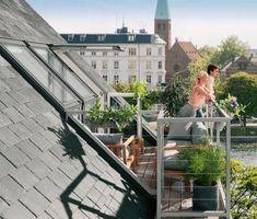 Hangulatos nyaralóház a Balaton-felvidéken - Lakáskultúra magazin Roof Coating, Timber Roof, Cool Curtains, Curtain Room, Pergola Curtains, Roof Window, Pergola Shade, Diy Pergola, Pergola Designs