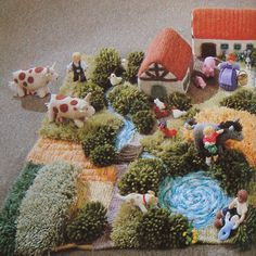 It's a knitted farm! - Eriksson Wilson This is totally up your alley! Felt Play Mat, Play Mats, Diy For Kids, Crafts For Kids, Diy Crafts, Knitting Projects, Knitting Patterns, Farm Yard, Waldorf Dolls