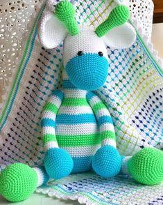 Crochet amigurumi giraffe Crochet Pig, Giraffe Crochet, Giraffe Pattern, Crochet Patterns Amigurumi, Crochet Gifts, Amigurumi Doll, Baby Blanket Crochet, Crochet For Kids, Crochet Dolls