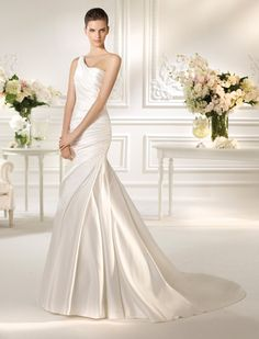 NEARCA / Wedding Dresses / White One 2013 Collection / San Patrick