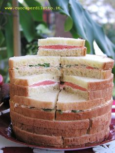 Panettone gastronomico Antipasto, Tapas, Tummy Yummy, Decadent Cakes, Party Buffet, Xmas Food, Party Snacks, Creative Food, Finger Foods