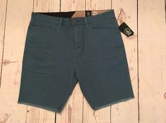 """Volcom Men's Wolverton 19"""" Shorts Blue Size 34 New With The Tags $55 #Volcom #CasualShorts"""