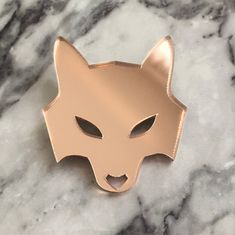 She-wolf rose gold pin She Wolf, Akira, Wearable Art, Handcrafted Jewelry, Jewelry Crafts, Rose Gold, Jewellery, Accessories, Handmade Chain Jewelry
