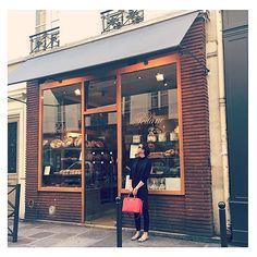 merci @caramelbrownie ! Boulangerie Poilâne Rue De Cherche-Midi 8 Paris We woke up super early to check this out. Apparently the most famous boulangerie en Paris. #CroissantMotives #Poilane