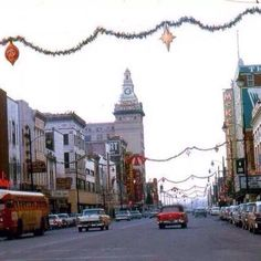 Downtown YOUNGSTOWN circa 1950's Christmas Past, Christmas Photos, Vintage Christmas, Youngstown State, Local History, The Good Old Days, Back In The Day, Old Photos, Great Places