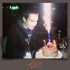 Mehmet beye paylaşımı için teşekkür eder, tüm dileklerinin gerçekleşeceği bir yaş dileriz. Doğum gününüz kutlu olsun :)