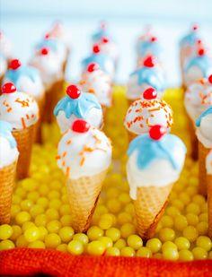Icecream cone cake-pops