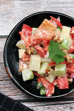 Steamed chayote and walnuts make a healthy salad full of Asian flavour! Try out this refreshing, keto friendly recipe – it's super easy to make and delivers a spicy kick at the end. Indian Food Recipes, Asian Recipes, Vegetarian Recipes, Cooking Recipes, Healthy Recipes, Steak Dinner Recipes, Chayote Recipes, Asian Food Channel, Food Network Recipes