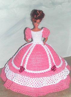 Crochet Fashion Doll Barbie Pattern 508 by JudysDollPatterns Crochet Doll Dress, Crochet Barbie Clothes, Knitted Dolls, Barbie Gowns, Barbie Dress, Barbie Doll, Barbie Patterns, Doll Clothes Patterns, Barbie Style