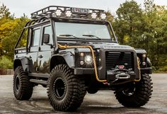 "Land Rover Defender 110 ""007 Spectre"" '2015                                                                                                                                                      Mais"