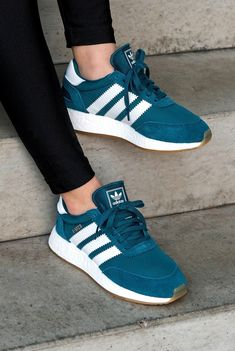 Adidas originals sneakers: adidas iniki in 2019 женск Adidas Moda, Adidas Iniki, Adidas Shoes, Sneakers Fashion, Fashion Shoes, Shoes Sneakers, Fashion Outfits, Cute Shoes, Me Too Shoes