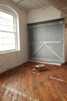 Seeing this sliding barn door only makes me want one even more!
