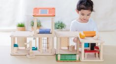 Be your own architect with this modular and compact concept wooden dollhouse. This modern living house has 3 units that can be arranged in various ways, over 10 differ