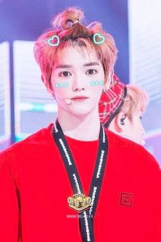 Now i undersrand why jaehyun can't go too far from him Lucas Nct, Lee Taeyong, Winwin, Ff Gay, Nct 127, Nct Dream, Boy Groups, Rapper, Handsome