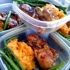Baked BBQ chicken legs, steamed asparagus with whipped sweet potatoes seasoned with cinnamon, nutmeg and a little cayenne pepper. Sometimes some allspice