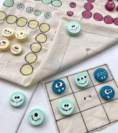 Tinker games yourself: children's games set from an old cotton bag – - Kinderspiele Make Your Own Game, Vintage Sheets, Cotton Bag, Journal Cards, Diy Paper, Diy Crafts For Kids, Vintage Music, Pin Collection, Birthday Cards