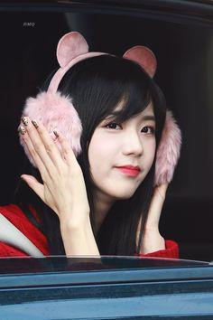 Image about kpop in Blackpink by K.S on We Heart It Blackpink Jisoo, Kpop Girl Groups, Korean Girl Groups, Kpop Girls, Kim Jennie, Yg Entertainment, K Pop, Square Two, Black Pink ジス