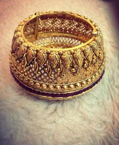 Unobridge is one stop solution for all parties and event needs. Best wedding planners in bangalore Bridal Bangles, Gold Bangles, Bridal Jewelry, Indian Bangles, Antic Jewellery, India Jewelry, Pakistani Jewelry, Indian Wedding Jewelry, Diamond Jewelry