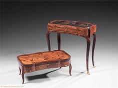 LÉONARD BOUDIN (ESTAMPILLÉ) Table d'alité / Bedridden table by Leonard Boudin  circa 1750-1760   H76 x 66,5 x 36 cm