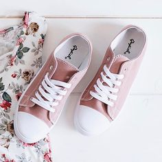 These cute tennis shoes belong in your closet. Link in bio. #shopthemasonjar #thejar #onlineboutique #tennisshoes #socute #casual #getinmycloset