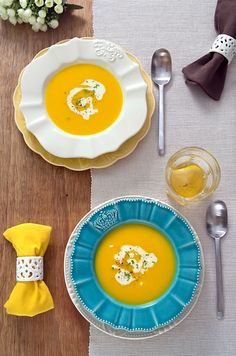 Sabores de Canela: Soup of yellow peppers and saffron